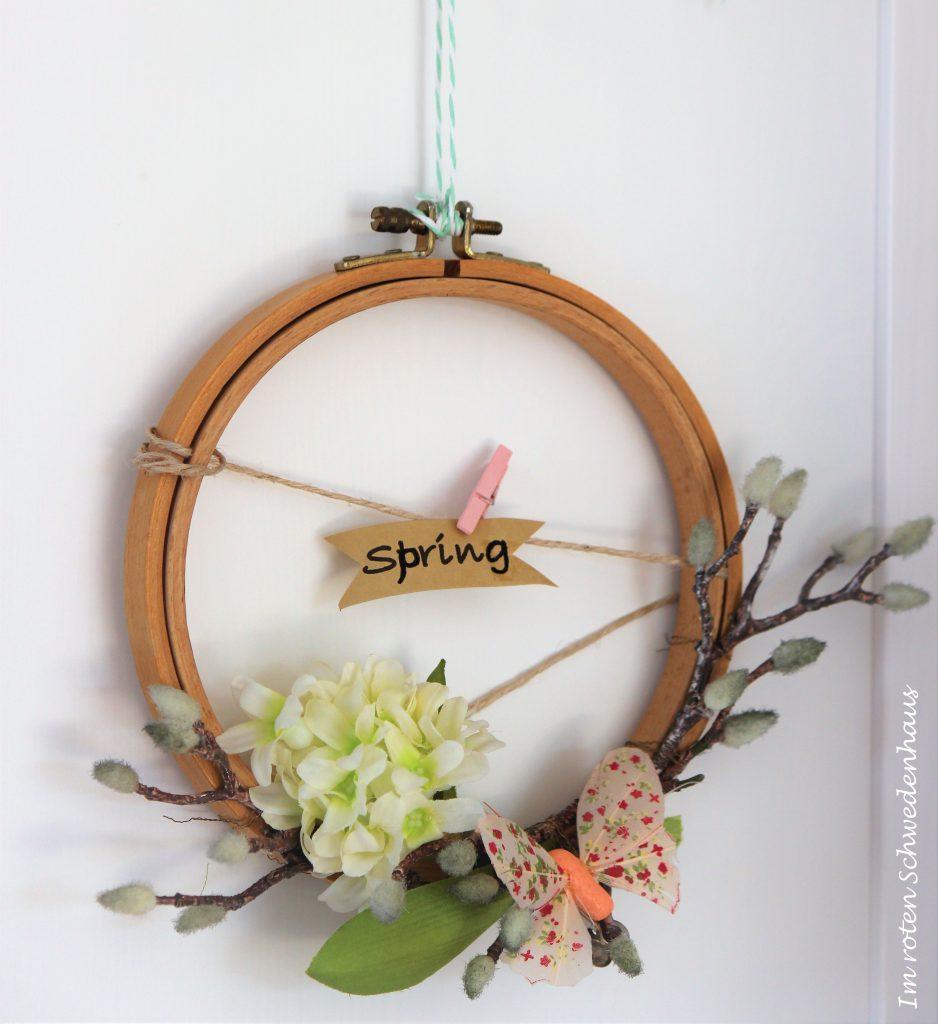 DIY Stickrahmen mit Frühlingsdekor